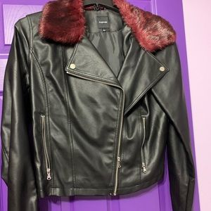 Black Faux leather jacket w faux fur on collar